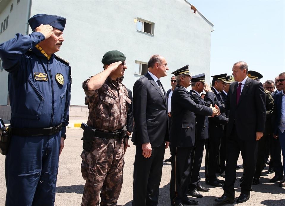 Erdoğan, Özel Harekat Daire Başkanlığı'nı ziyaret etti 9