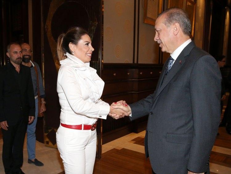 Erdoğan demokrasi nöbeti tutan ünlüleri kabul etti 3