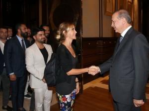 Erdoğan demokrasi nöbeti tutan ünlüleri kabul etti