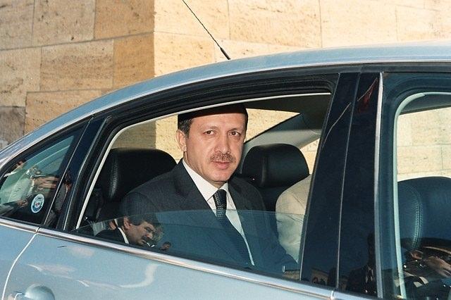 Türkiye siyaseti ve darbeler 105