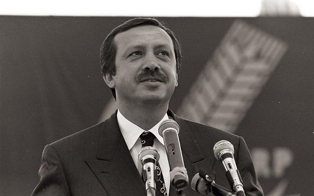 Türkiye siyaseti ve darbeler 111