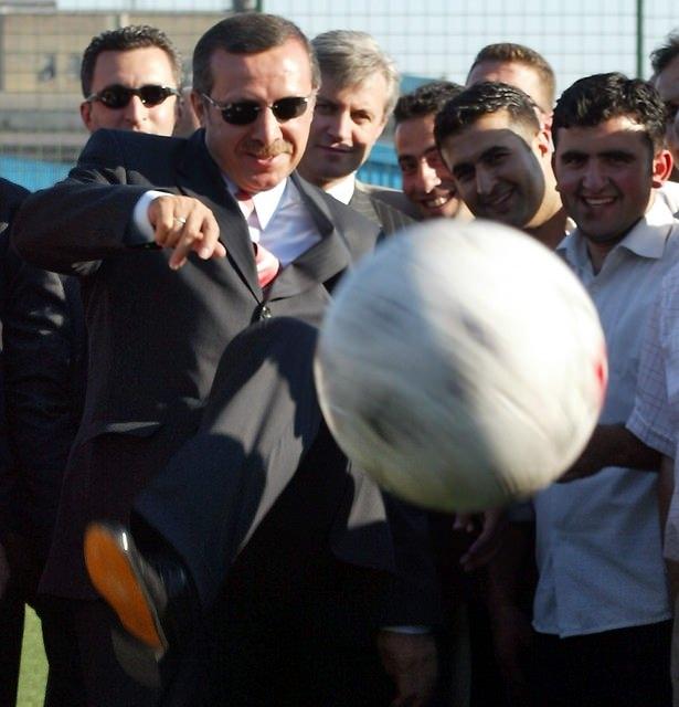 Türkiye siyaseti ve darbeler 121