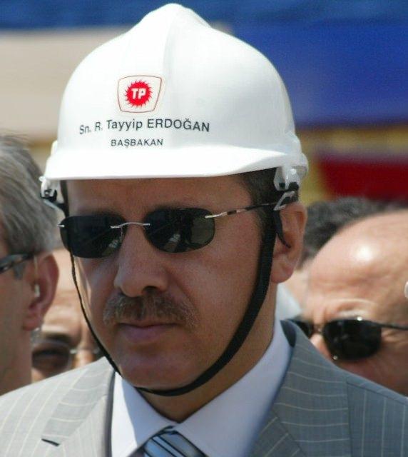 Türkiye siyaseti ve darbeler 133