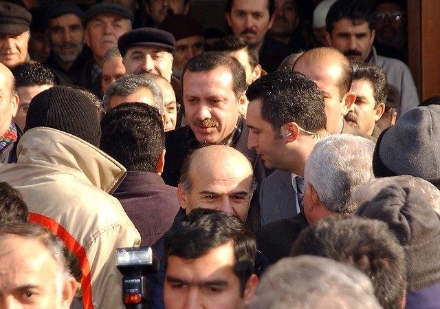 Türkiye siyaseti ve darbeler 137