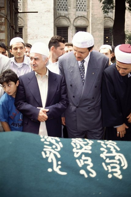 Türkiye siyaseti ve darbeler 143