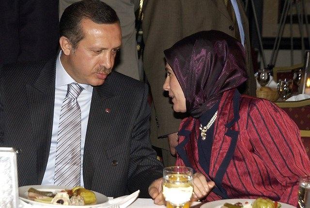 Türkiye siyaseti ve darbeler 151