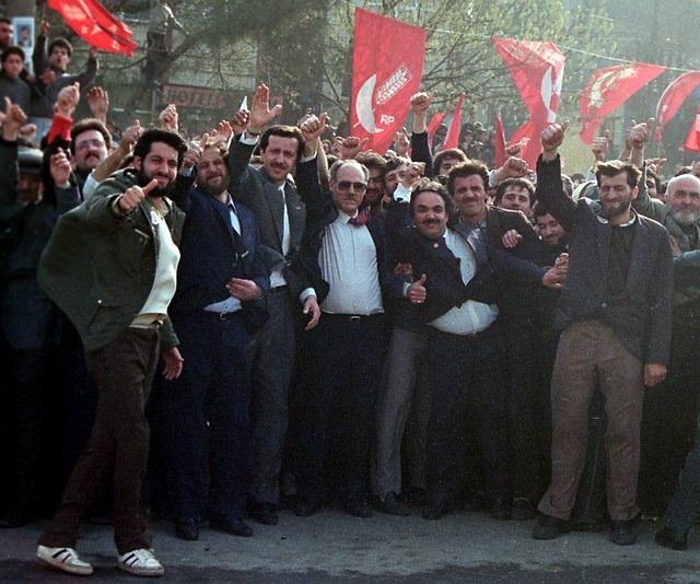 Türkiye siyaseti ve darbeler 153