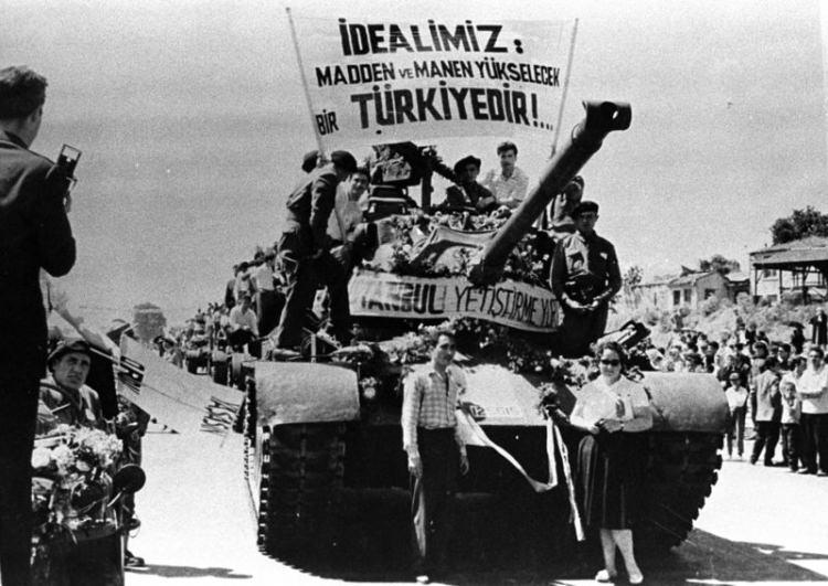 Türkiye siyaseti ve darbeler 22