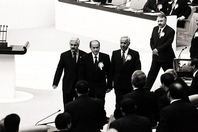 Türkiye siyaseti ve darbeler 61