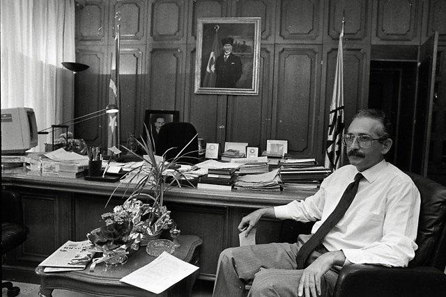 Türkiye siyaseti ve darbeler 75