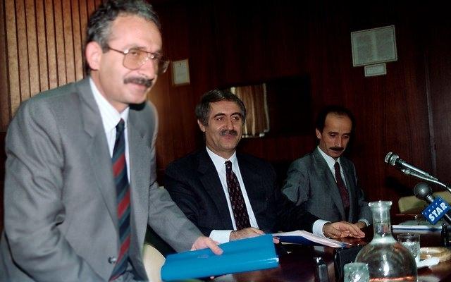 Türkiye siyaseti ve darbeler 77