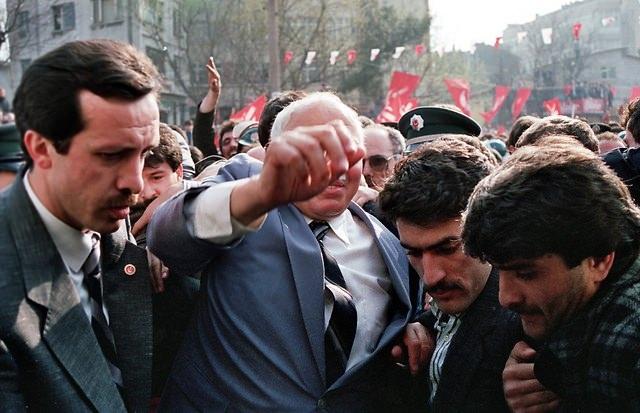 Türkiye siyaseti ve darbeler 82