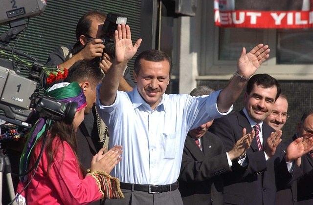 Türkiye siyaseti ve darbeler 83