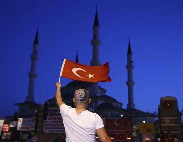 Erdoğan'ın portresini kalfasının başına resmetti 4
