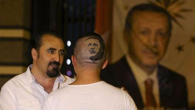 Erdoğan'ın portresini kalfasının başına resmetti 7
