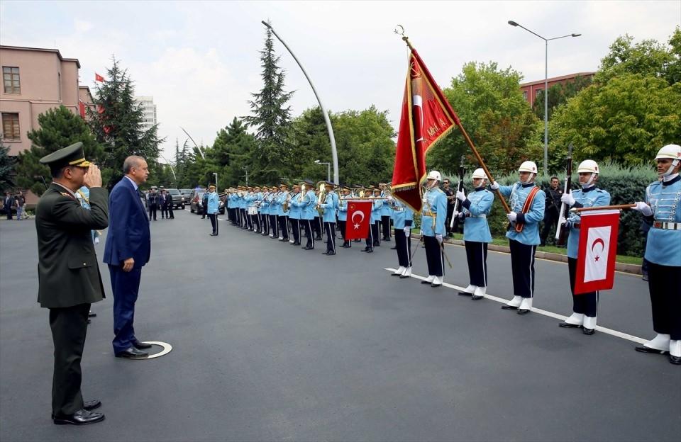 Cumhurbaşkanı Erdoğan, Genelkurmay karargahında 10