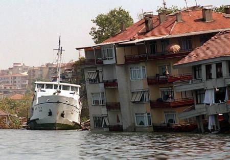 Marmara Depremi'nin 17.yıldönümü 14