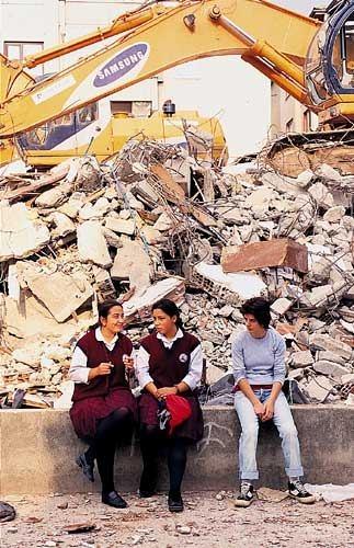 Marmara Depremi'nin 17.yıldönümü 32