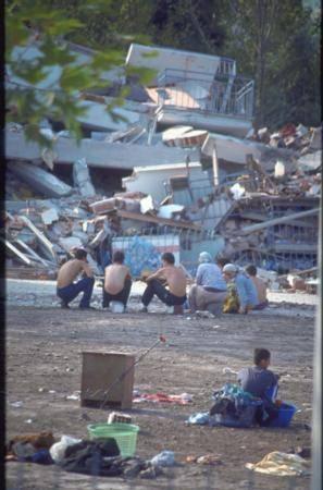Marmara Depremi'nin 17.yıldönümü 6