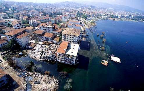Marmara Depremi'nin 17.yıldönümü 66