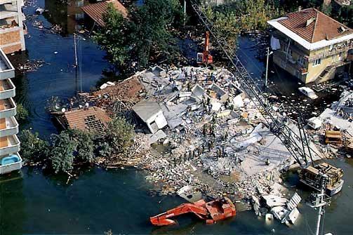 Marmara Depremi'nin 17.yıldönümü 68