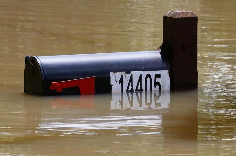 ABD'de sel: 20 bin kişi tahliye edildi 13