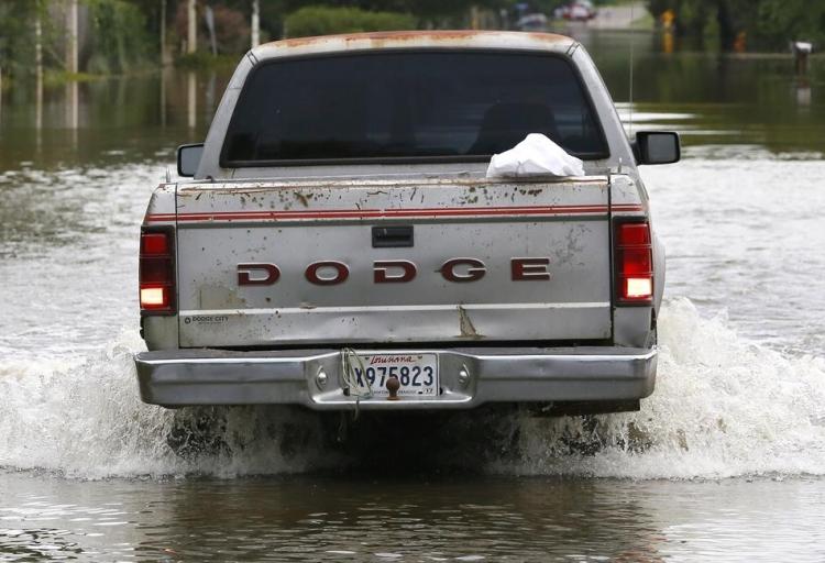 ABD'de sel: 20 bin kişi tahliye edildi 2