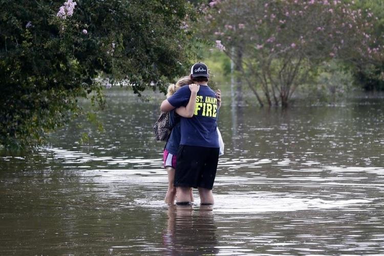 ABD'de sel: 20 bin kişi tahliye edildi 21