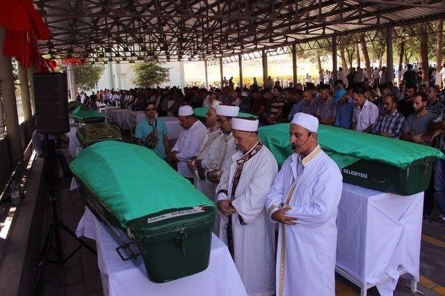 Çocuk bombacıyla çocukları katlettiler 12