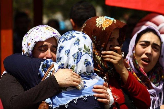 Çocuk bombacıyla çocukları katlettiler 19