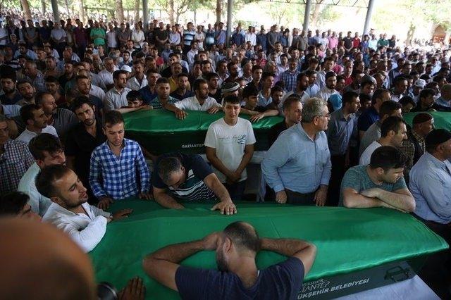 Çocuk bombacıyla çocukları katlettiler 21