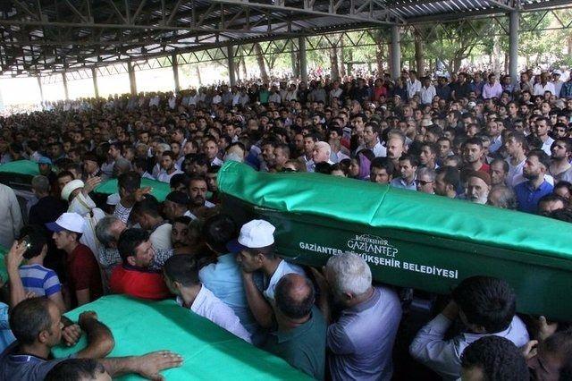 Çocuk bombacıyla çocukları katlettiler 27