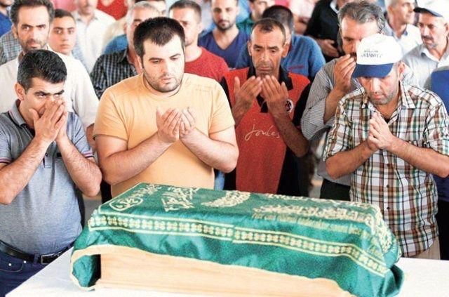 Çocuk bombacıyla çocukları katlettiler 33