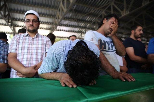 Çocuk bombacıyla çocukları katlettiler 6