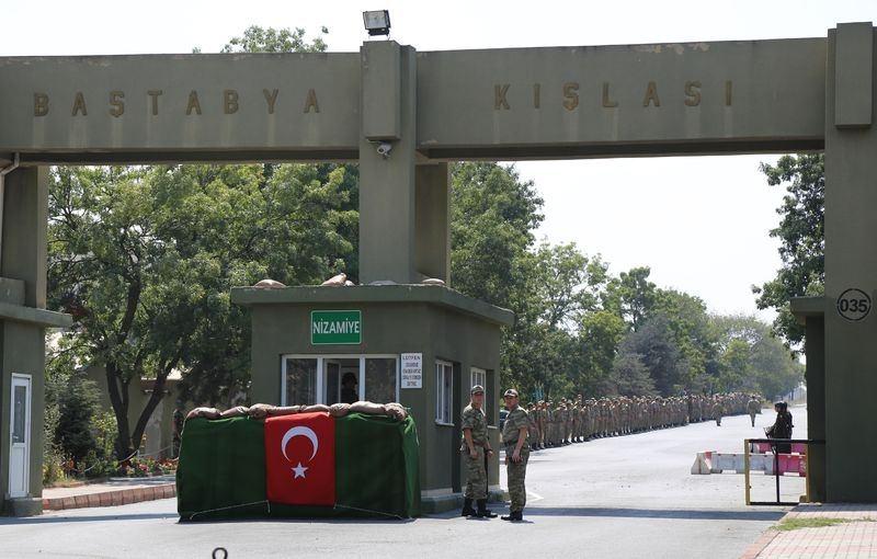 İstanbul'daki kışlalar şehir dışına taşınıyor 16