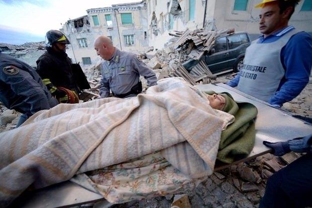 İtalya'da deprem: 6 ölü 1