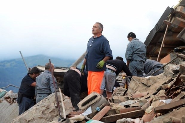 İtalya'da deprem: 6 ölü 10
