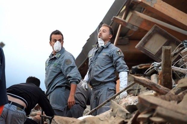 İtalya'da deprem: 6 ölü 11