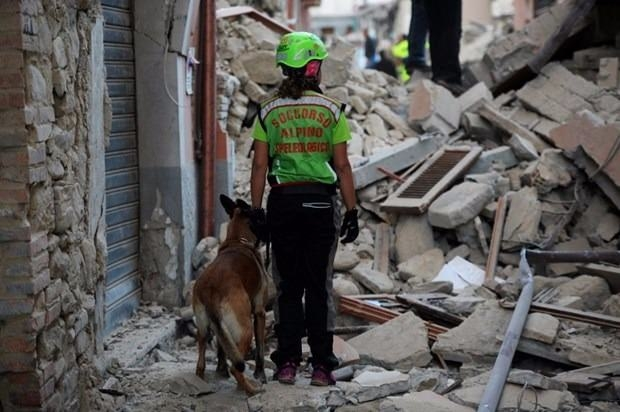 İtalya'da deprem: 6 ölü 13