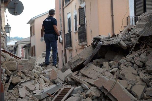 İtalya'da deprem: 6 ölü 19