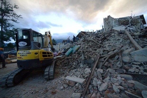 İtalya'da deprem: 6 ölü 20