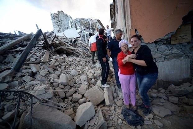 İtalya'da deprem: 6 ölü 24