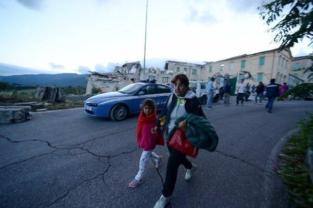 İtalya'da deprem: 6 ölü 25