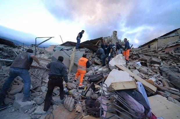 İtalya'da deprem: 6 ölü 28