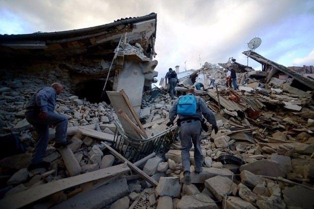 İtalya'da deprem: 6 ölü 4