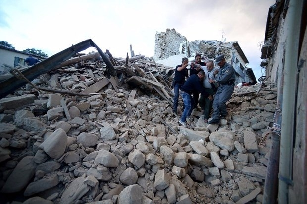 İtalya'da deprem: 6 ölü 5