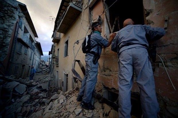 İtalya'da deprem: 6 ölü 6