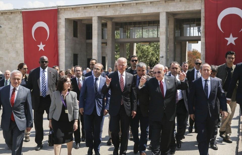 ABD Başkan Yardımcısı Biden, TBMM'de 32