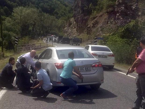 Kılıçdaroğlu'nun konvoyuna saldırı 10