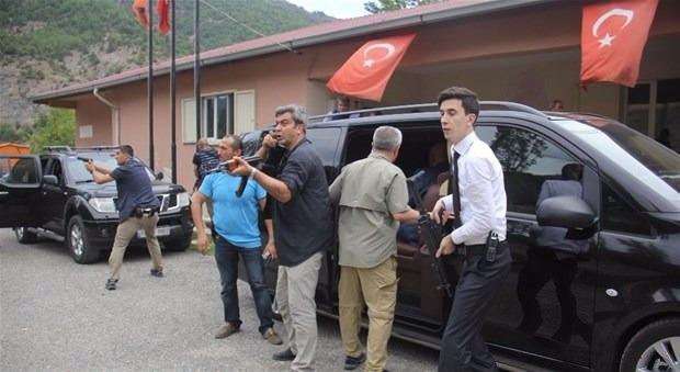 Kılıçdaroğlu'nun konvoyuna saldırı 13